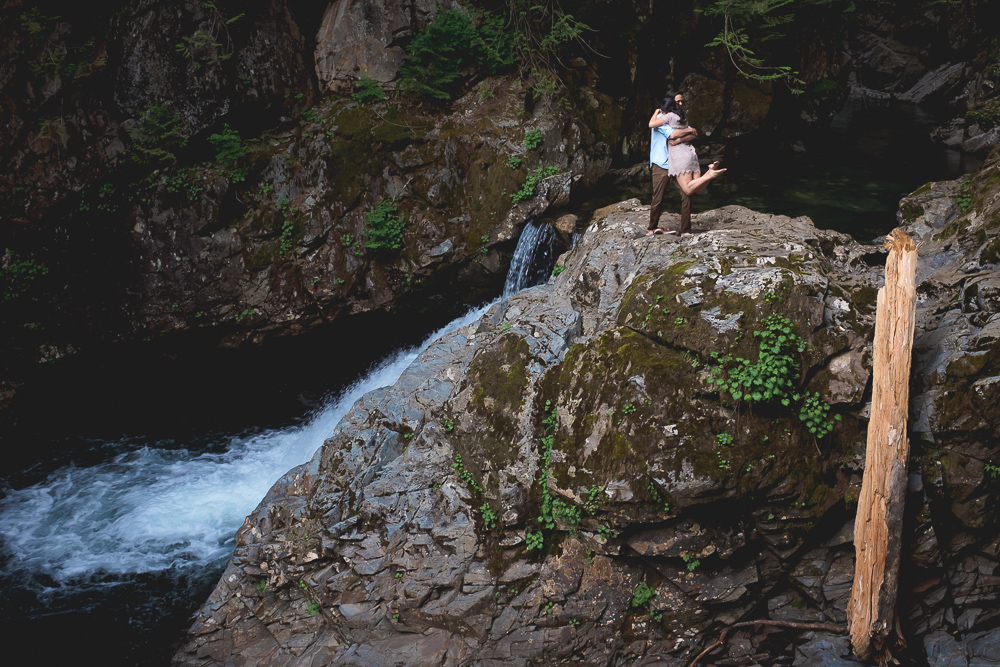 franklin_falls_engagement-004