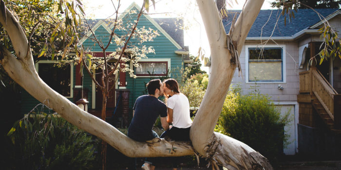 Zach & Meghan // Kissing in a tree
